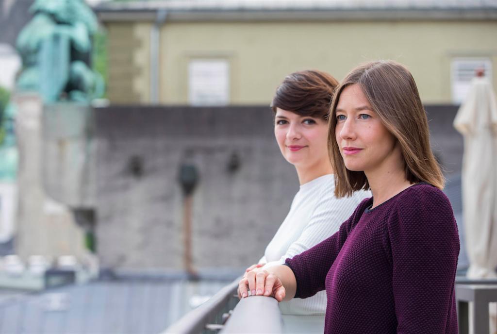 Marianne Crebassa & Johanna Wokalek (Foto: Salzburger Festspiele / Andreas Kolarik)