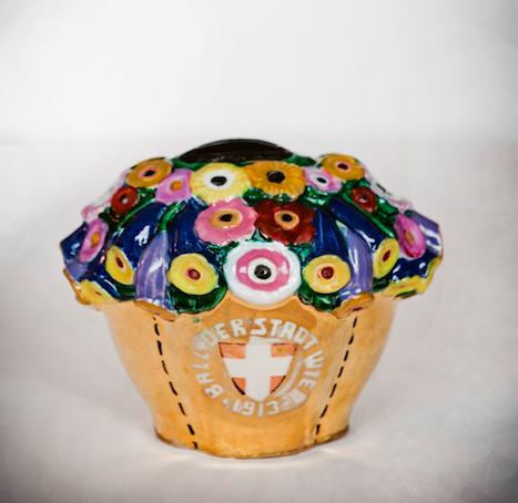 Spardose aus Keramik für den Ball der Stadt Wien 1913
