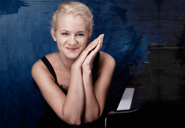 Die polnische Pianistin Aleksandra Mikulska