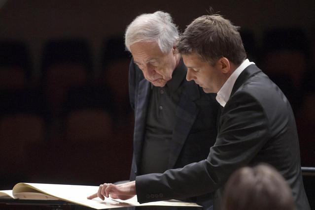 Matthias Pintscher (rechts) und Pierre Boulez bei der Probe. (Priska Ketterer / Lucerne Festival)